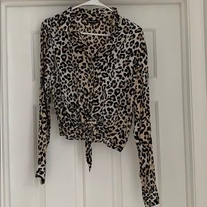 Cheetah tie log sleeve top!! Cropped